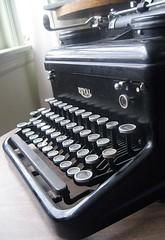 typewriter.detail5