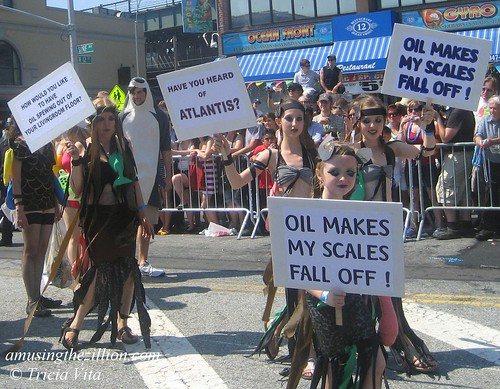 Mermaid Parade 2010: Oil Makes My Scales Fall Off! Photo © Tricia Vita/me-myself-i