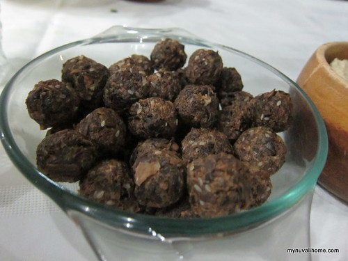 "raw food - ""meat""balls made of puso ng saging!"