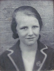 Grandma aged 14 years 1924