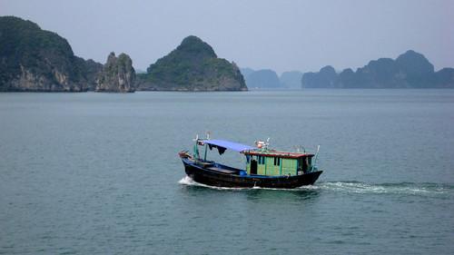 boat house (halong bay)