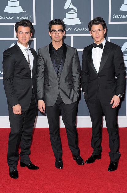(L-R) Musicians Kevin Jonas, Joe Jonas and Nick Jonas of the Jon