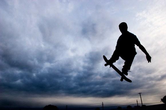 skateboard_air_silhouette