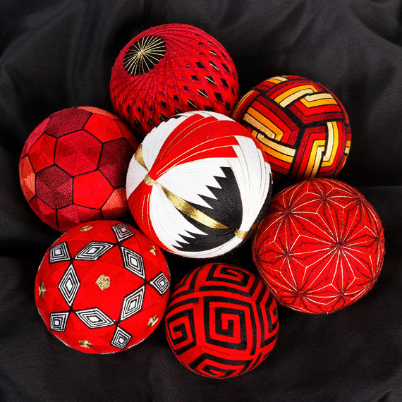 Red temari set