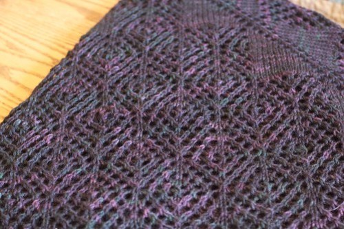 Corvid Diamond Shawl: detail
