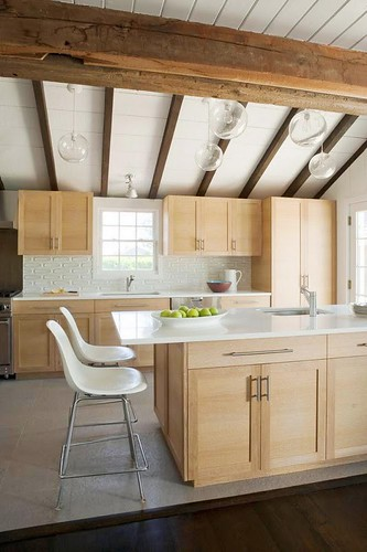 Hamptons modern kitchen