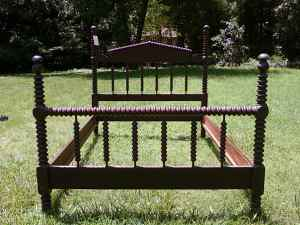antique spindle bed