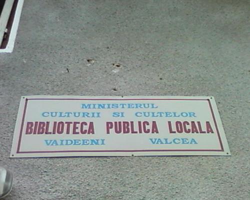 Biblioteca Vaideeni by @librarian