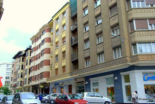Edificios de viviendas en la calle Estella