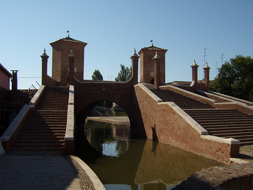 Trepponti Ponte monumentale pallotta - Comacchio