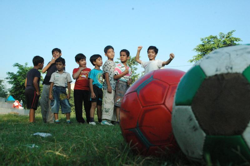 Dribble and kick, Delhi, India