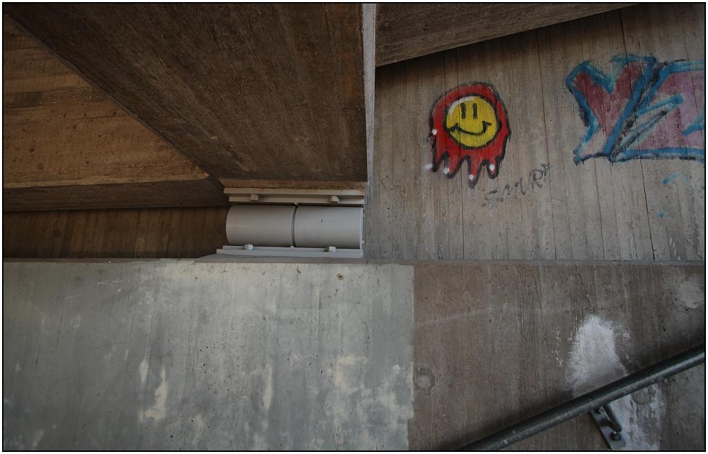 Porr graffititecknad porr våt fitta
