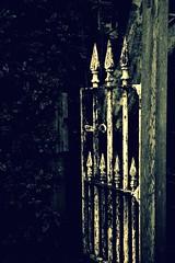 shut the gate