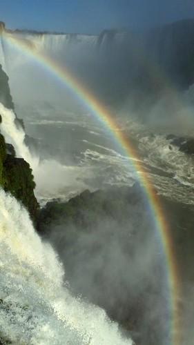 Catararas y el arco iris