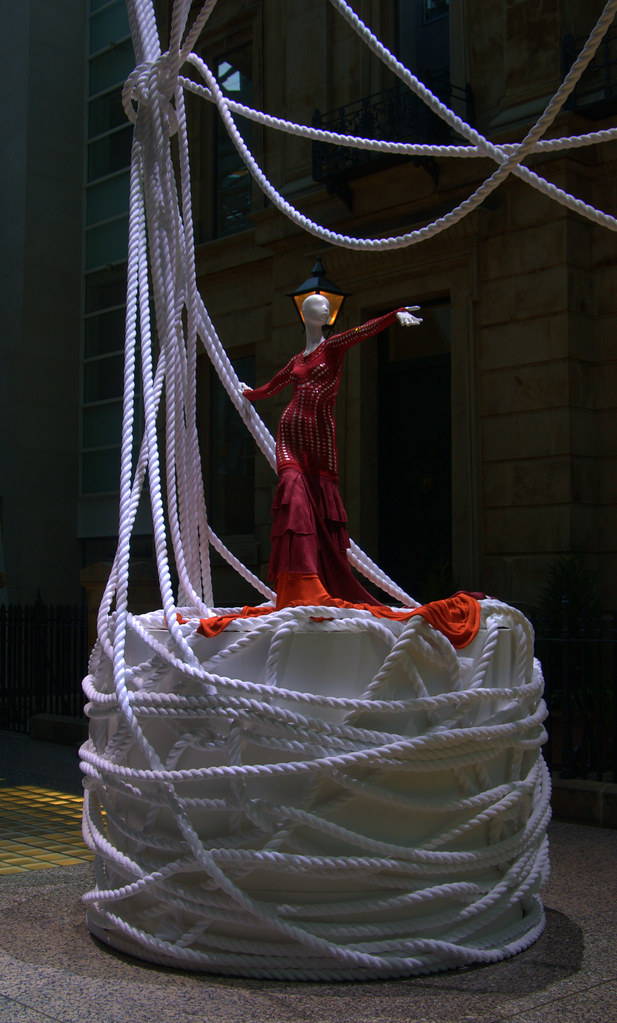 I originally though this looked like a woman jumping out of a cake made of rope and hence entitled it 'rope cake'.