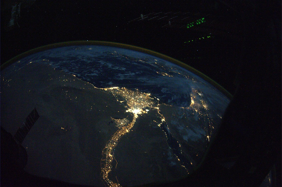 5197444958 2c91b9ee4c b Incredible Space Pics from ISS by NASA astronaut Wheelock [29 Pics]