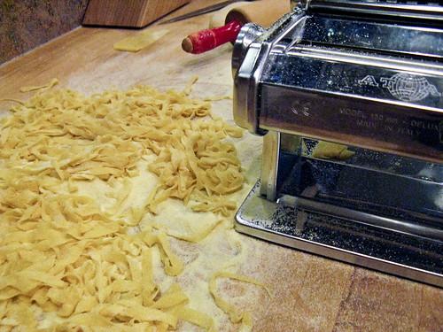making fettucine