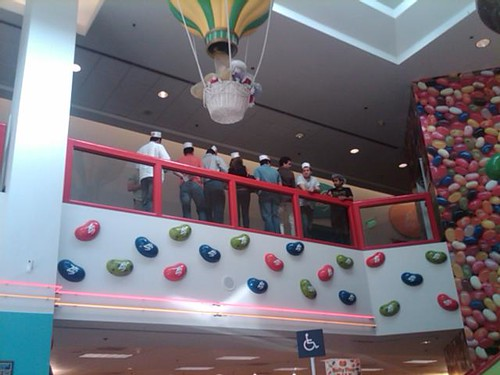 Vota Tus Valores staffers on the Jelly Belly tour
