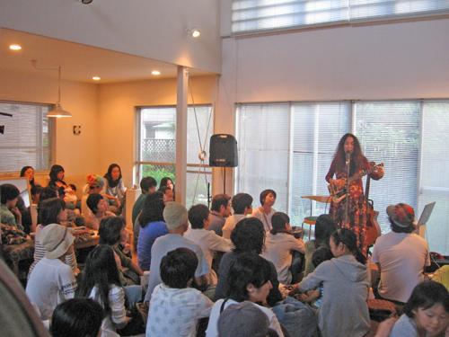 10-03-10-Japan-Koganei-Studio M-ABL and audience.jpg