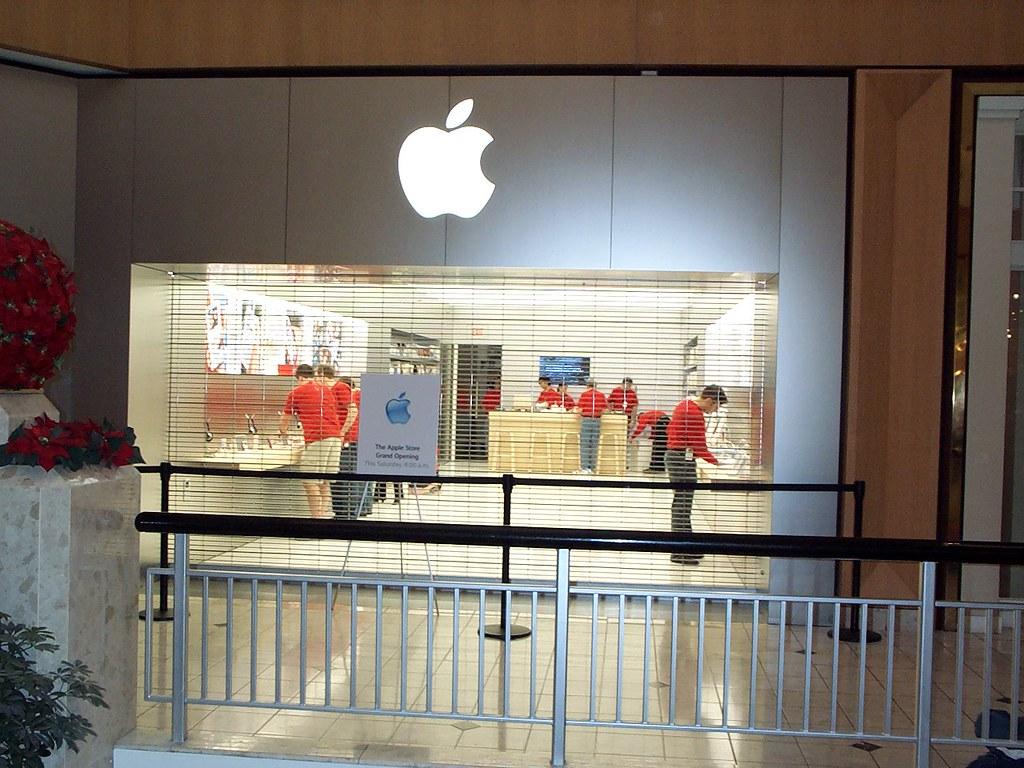 St. Louis Galleria Mini Store