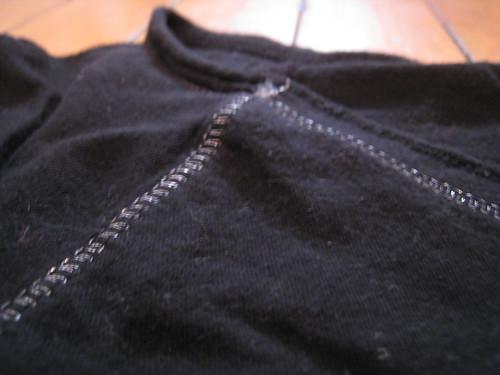 t-shirt topstitching