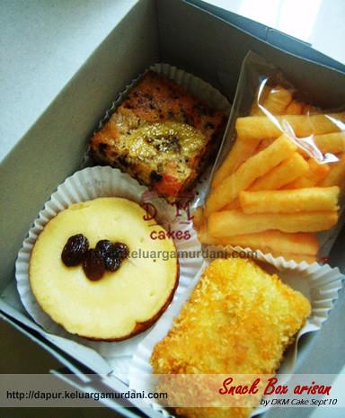 snack box, snackbox, risol sayur, lumpur, cake pisang cokelat