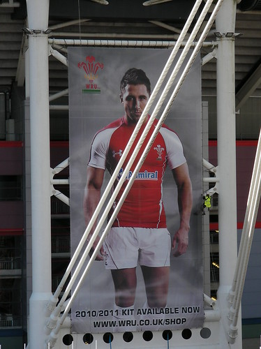 Gavin Henson unveiled at WRU Kit Launch