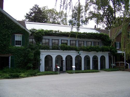 longwoodhouseside