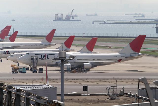 JAL B747-400(JA8085)