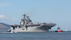 USS Makin + + Isla