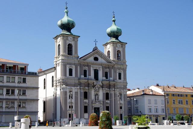 Gorica鎮上的教堂,很雄偉也很漂亮,屋頂好可愛!(心)