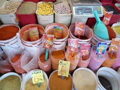 Farbpalette von Chilipulver, Mercado Merced