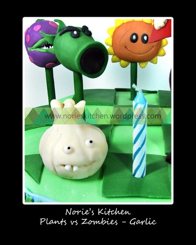 Norie's Kitchen - Plants vs Zombies Cake - Garlic