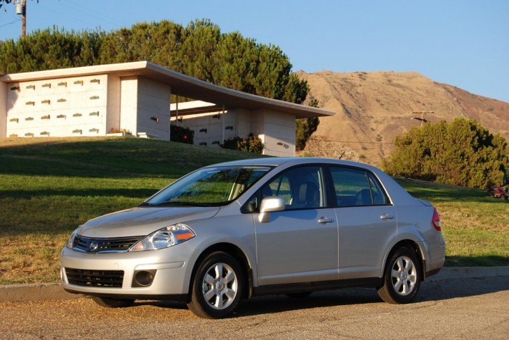 Nissan Versa Exterior Cemetary (8)