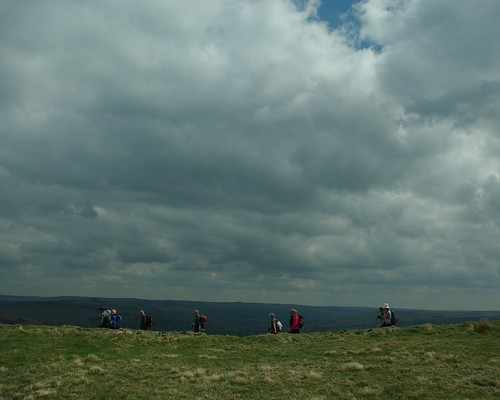 20100425-14_Heading away from Mam Tor on The Great Ridge by gary.hadden