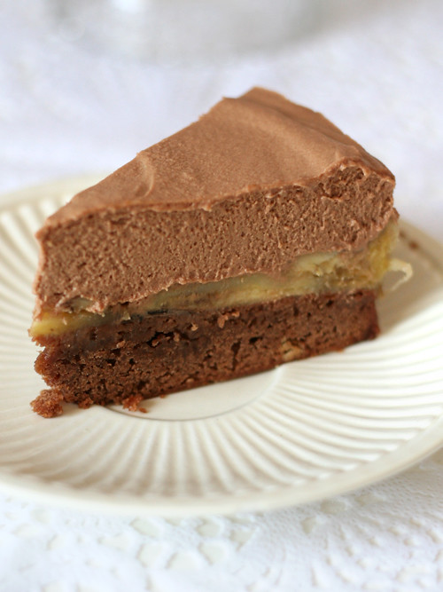 chocolate & peanut butter mousse cake