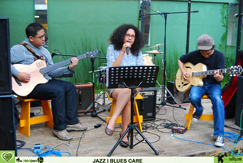 Jazz Blues Care - Grace and Tesla (5)