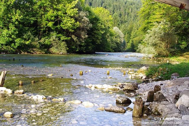 橋的另一側,不曉得是不是流入Bohinj湖的溪水呢?