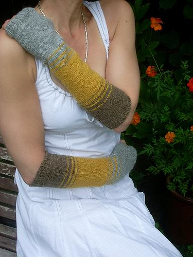 Extralong Striped Wristwarmers