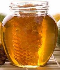 Jar with honeycomb