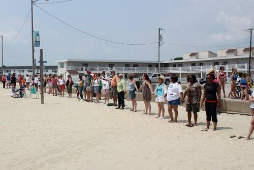 Hands Across the Sand Buckroe Beach, Hampton, VA by elevandoski.