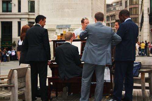 Street Piano - Monument
