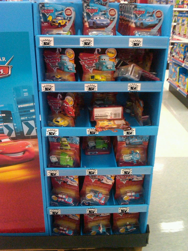 toys r us DISNEY CARS FLOOR DISPLAY