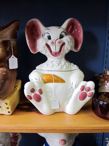 Bunny cookie jar