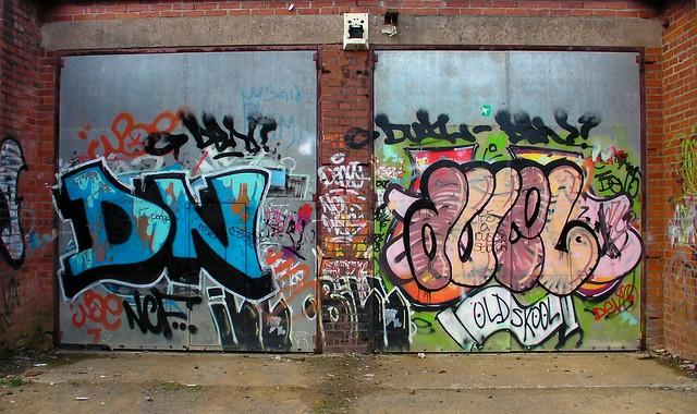 Duel Grafitti in Pontcanna Fields