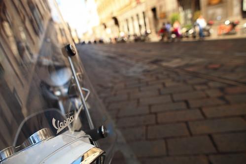 Vespa @ Milano, Italy