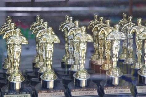 Fake Oscar statues