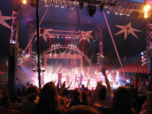 At the circus / En el circo