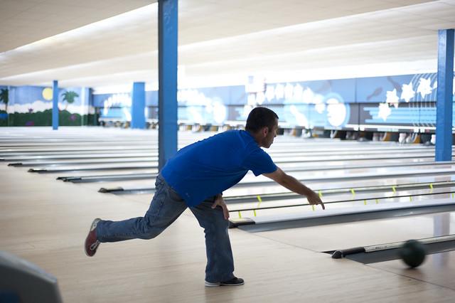Manny (sr.) bowls