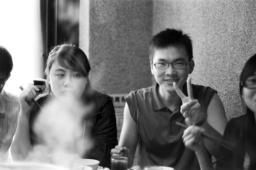 50 mm, f/1.4, 1/30, +. Film: ILFORD HP5 Plus (分裝). Camera: Nikon FM2. 後製: Black +6.